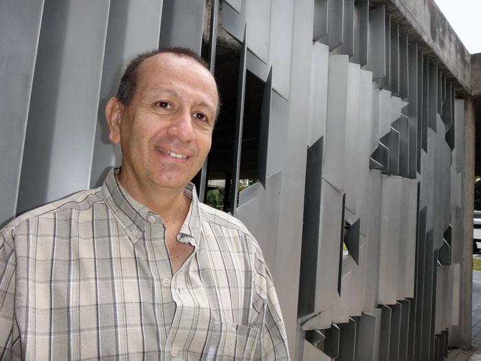 Foto del autor Fidel Pérez Varela